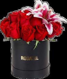 Sombrerera 15 Rosas rojas y Lirios
