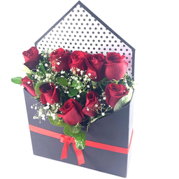 Caja Con 10 Rosas + Nota de Amor