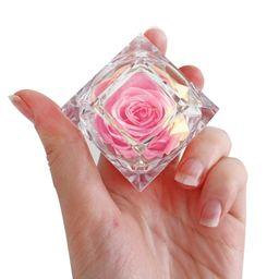 Cofre de lujo con rosa preservada rosada